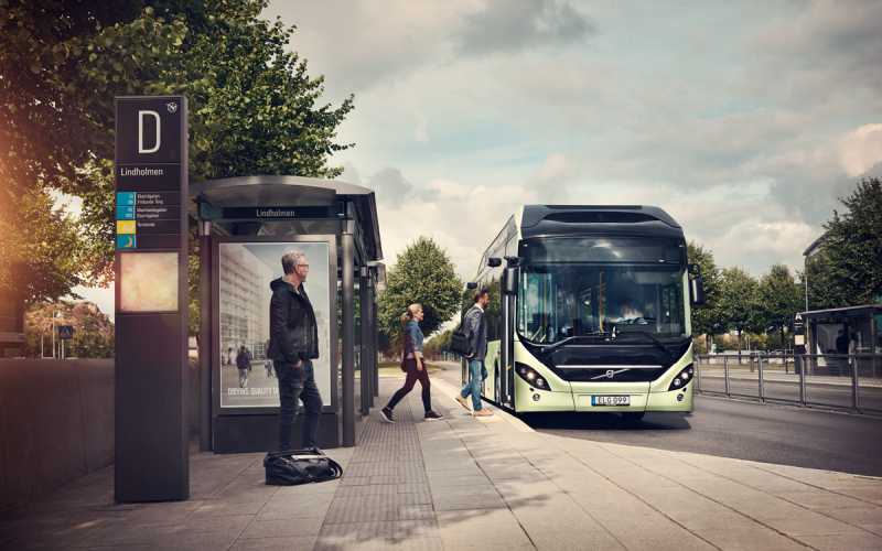 volvo_7900_electric_hybrid_bus_stop_2014_02_1200x750.jpg